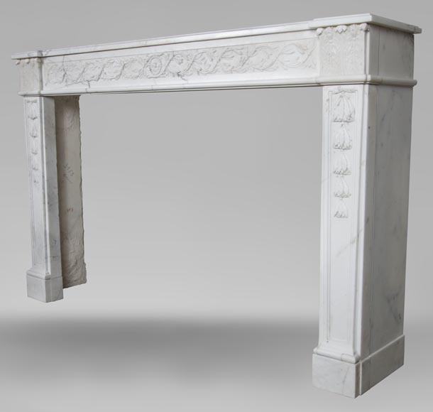 An antique Louis XVI fireplace, made out of veiné-statuary marble-8