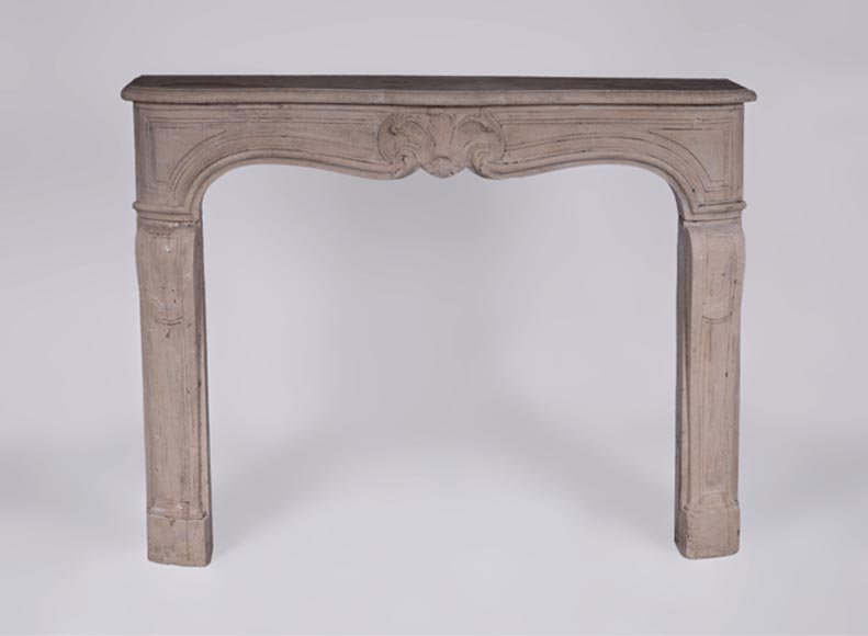 Antique Louis XV style fireplace in stone, 18th century - Reference 3174
