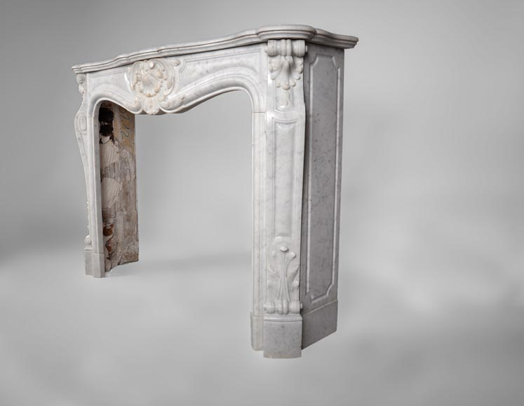 Antique Louis XV style fireplace, three shells model, in white Carrara marble-5