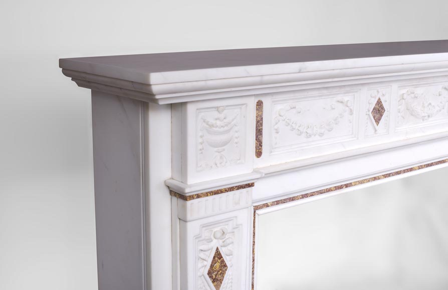 Very beautiful Victorian style antique fireplace in Carrara Statuary marble and Violet Brocatelle marble, from late 19th century, with flutings, garlands and diamonds.-6