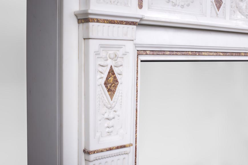 Very beautiful Victorian style antique fireplace in Carrara Statuary marble and Violet Brocatelle marble, from late 19th century, with flutings, garlands and diamonds.-7