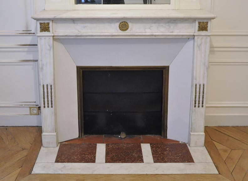Antique Louis XVI style fireplace in white Carrara marble with gilt bronze ornaments - Reference 3256