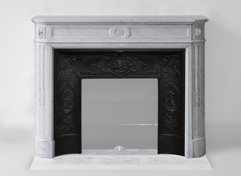 Antique Louis XVI style fireplace with rounded corners and flutings in white Carrara marble - Reference 3274