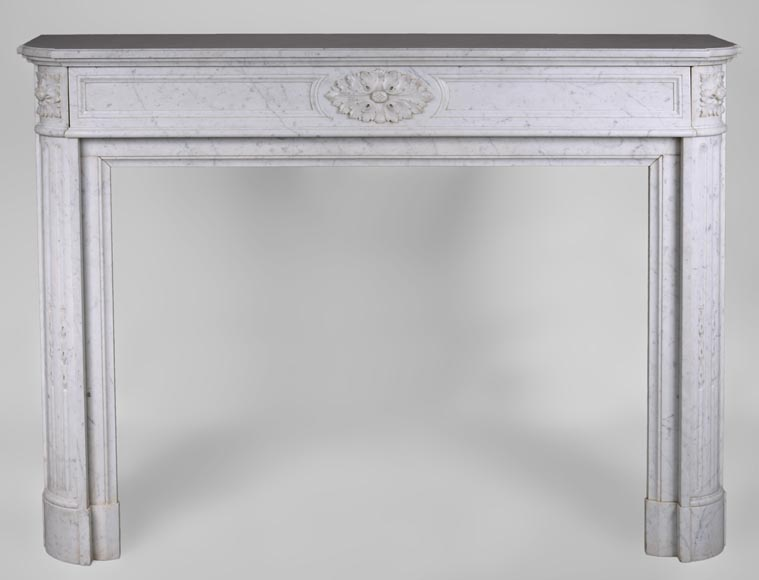 Large antique Louis XVI style fireplace with rounded corners in white Carrara marble - Reference 3304