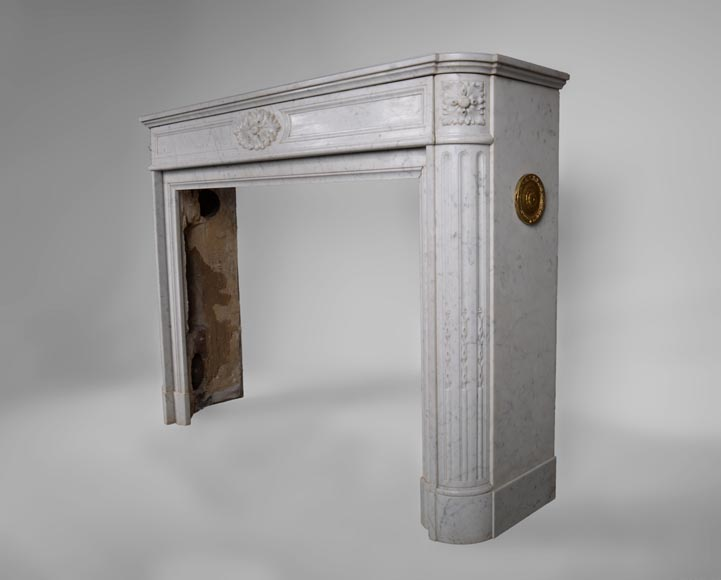 Large antique Louis XVI style fireplace with rounded corners in white Carrara marble-6