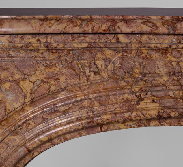 Antique Regence period fireplace mantel in Pink Brocatelle marble, 18th century-4