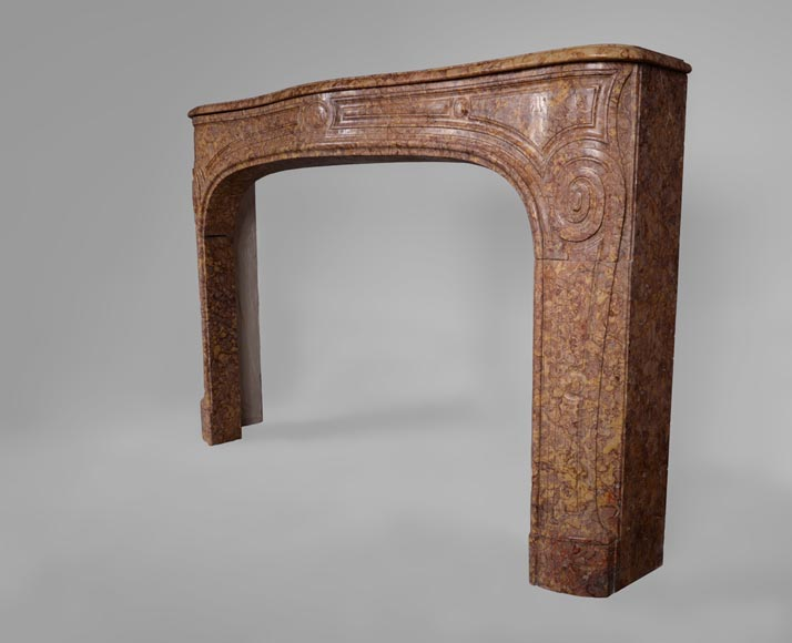 Antique Regence period fireplace mantel in Pink Brocatelle marble, 18th century-6
