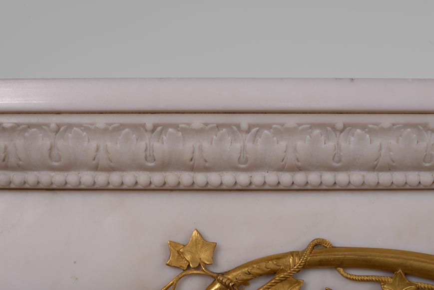 Very beautiful antique Louis XVI style fireplace in Statuary Carrara marble with quiver-shaped columns and gilt bronze ornaments after the model from the Chateau of Fontainebleau-6