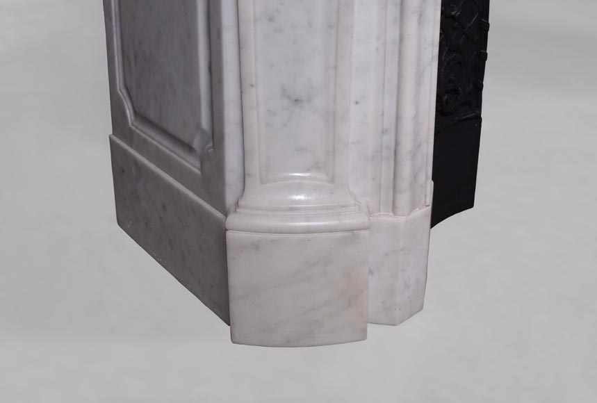 Large antique Regence style fireplace in white Carrara marble with its cast iron insert-9