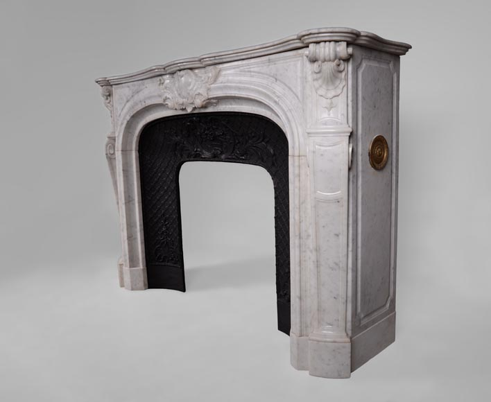 Large antique Regence style fireplace in white Carrara marble with its cast iron insert-10