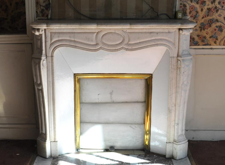 Antique Louis XV style fireplace, Pompadour model, in white Carrara marble - Reference 3338