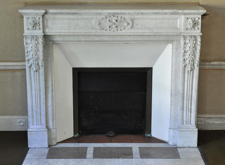 Antique Louis XVI style fireplace with acanthus leaves in white Carrara marble - Reference 3340