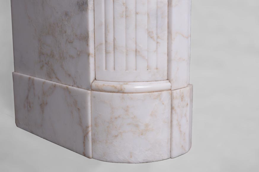 Antique Louis XVI style fireplace with rounded corners in Onyx marble-4
