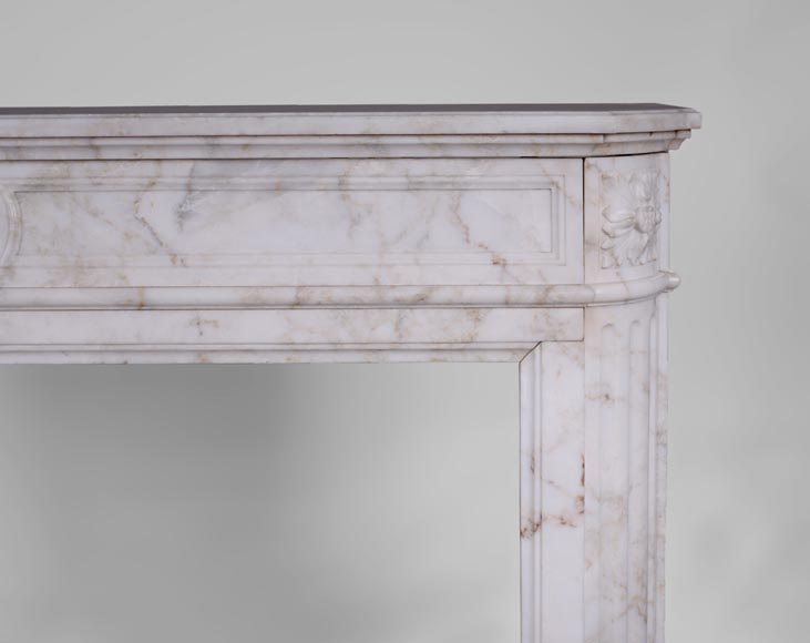 Antique Louis XVI style fireplace with rounded corners in Onyx marble-6