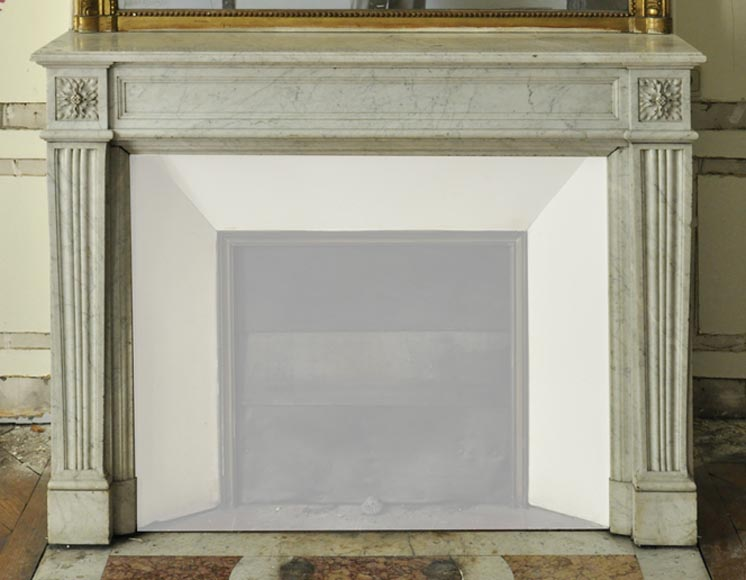 Antique Louis XVI style fireplace in white Carrara marble with flutings - Reference 3362