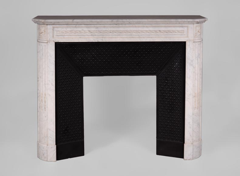 Antique Louis XVI style fireplace in Carrara marble with rounded corners and ribbons - Reference 3378