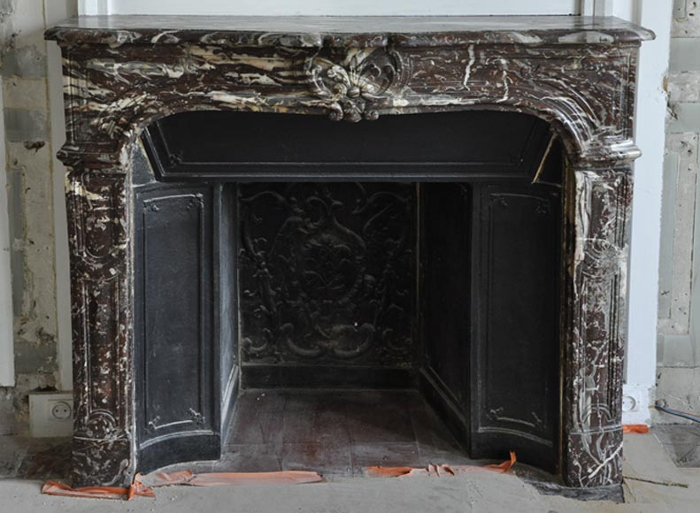 Antique Regence period fireplace in Royal Red marble with its complete cast iron insert - Reference 3390