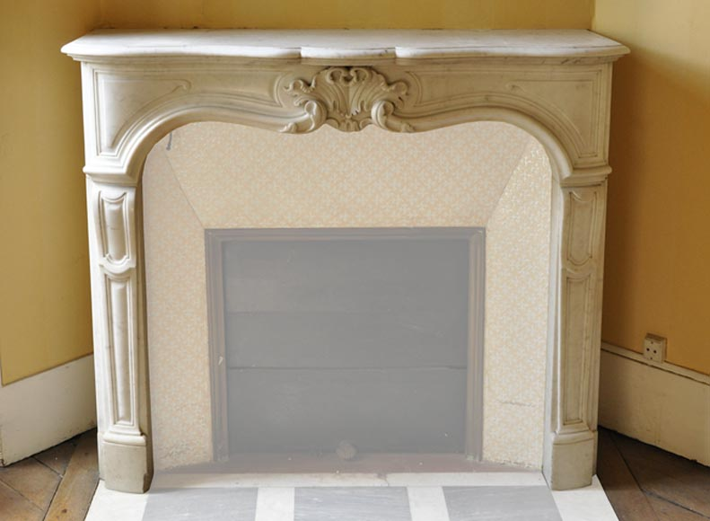 Antique Regence style fireplace in white Carrara marble-0