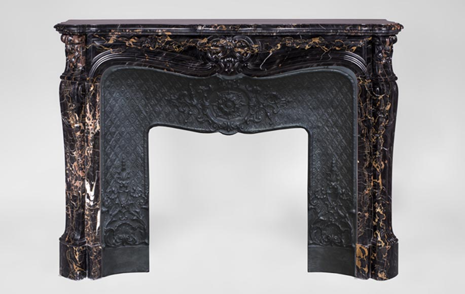 Beautiful antique Louis XV style fireplace, three shells model, in Portor marble - Reference 3415