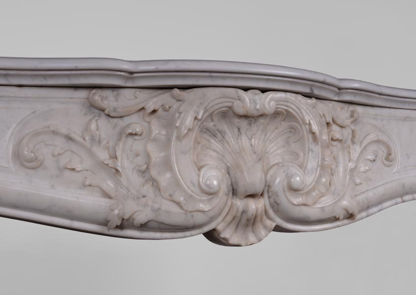 Antique Louis XV style fireplace in Carrara marble with large shell and rosettes -2