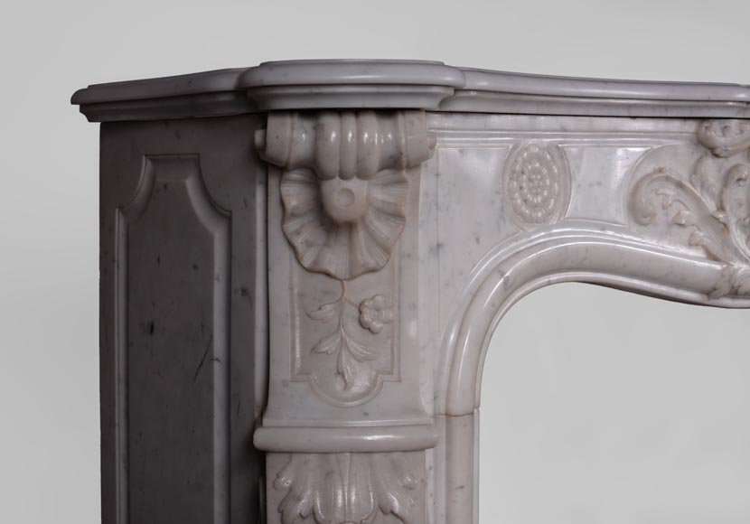 Antique Louis XV style fireplace in Carrara marble with large shell and rosettes -6