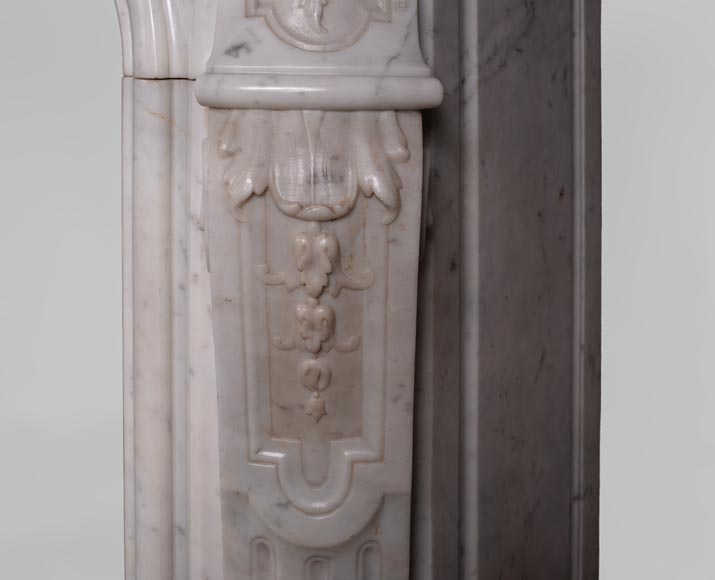 Antique Louis XV style fireplace in Carrara marble with large shell and rosettes -12