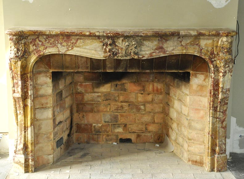 Very beautiful antique Louis XV period fireplace in Montmeyan Breccia marble - Reference 3432