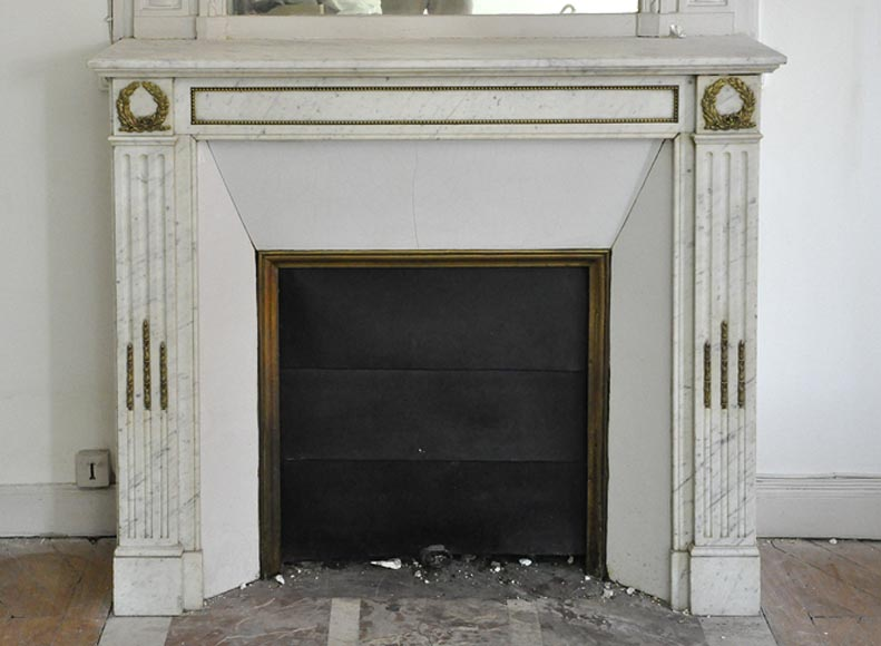Antique Louis XVI style fireplace in Carrara marble with gilt bronze ornaments - Reference 3436