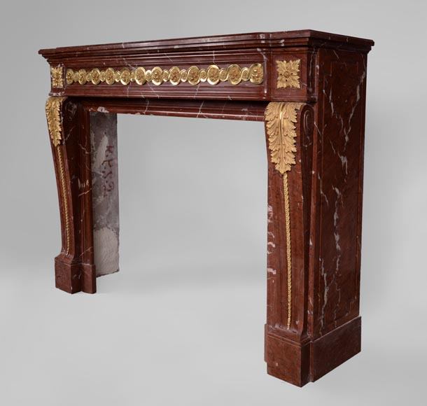 Antique Louis XVI style fireplace made of Ancient Red marble with gilt bronze rosettes and acanthus leaves -7