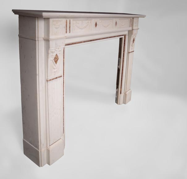 Beautiful Victorian style antique fireplace with garlands and diamonds in Carrara Statuary marble and Violet Brocatelle marble, late 19th century-2