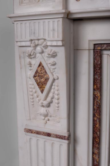 Beautiful Victorian style antique fireplace with garlands and diamonds in Carrara Statuary marble and Violet Brocatelle marble, late 19th century-4