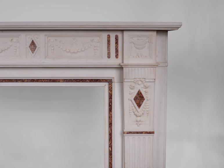 Beautiful Victorian style antique fireplace with garlands and diamonds in Carrara Statuary marble and Violet Brocatelle marble, late 19th century-7