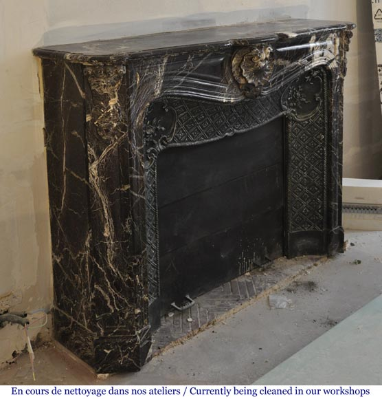 Antique Louis XV style fireplace in Rosso Levanto marble with its cast iron insert-3