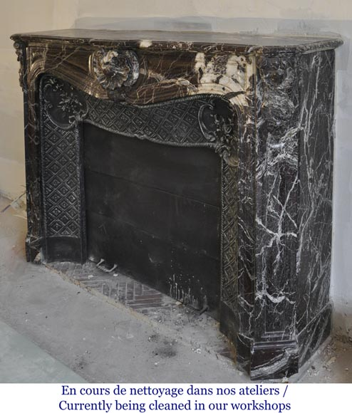 Antique Louis XV style fireplace in Rosso Levanto marble with its cast iron insert-7