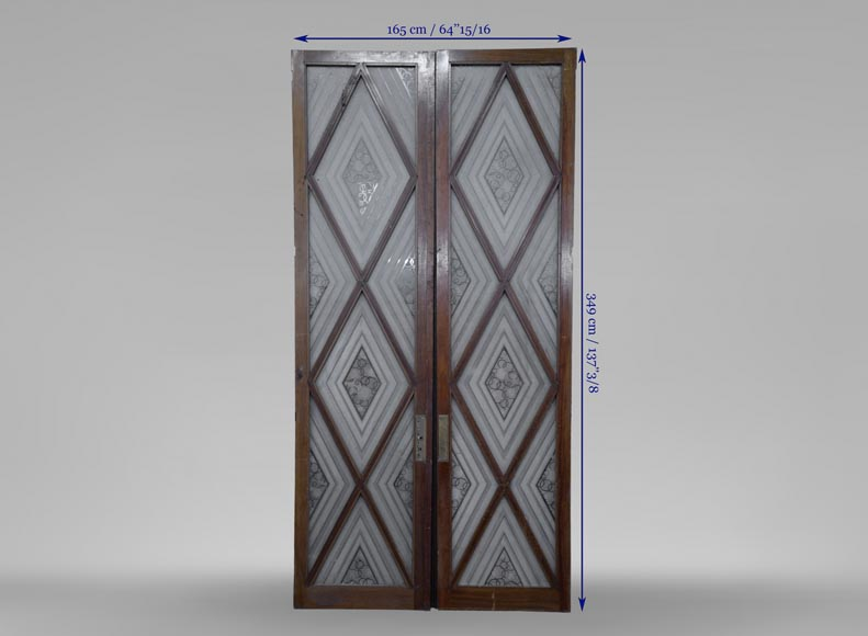 Beautiful antique large Art Deco style double door in wood and engraved glass with decor of diamonds-5