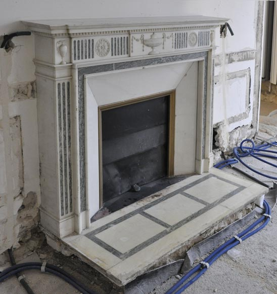 Beautiful Victorian style antique fireplace in Carrara Statuary marble and inlays of Vert d'Estours marble with vases and bowl-3