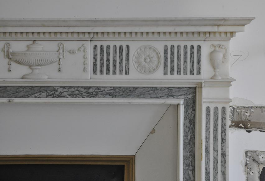 Beautiful Victorian style antique fireplace in Carrara Statuary marble and inlays of Vert d'Estours marble with vases and bowl-8