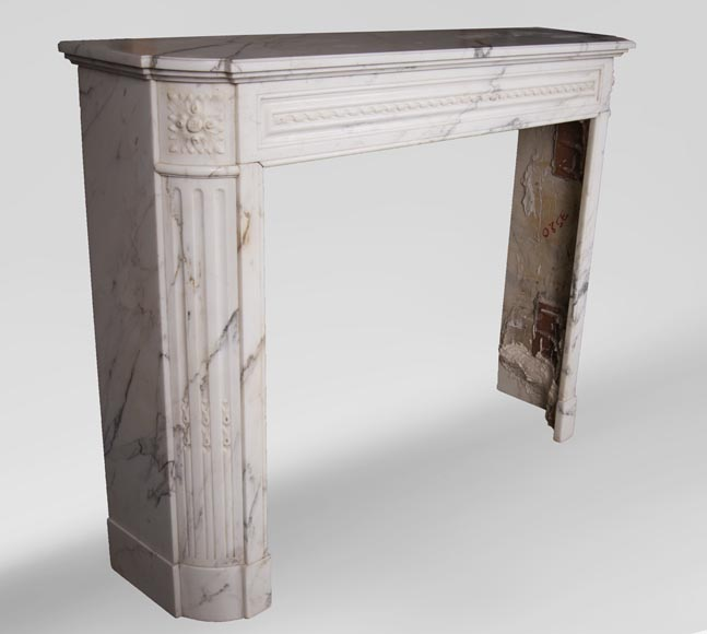 Antique Louis XVI style mantel with rounded corners, made out of Arabescato marble-2