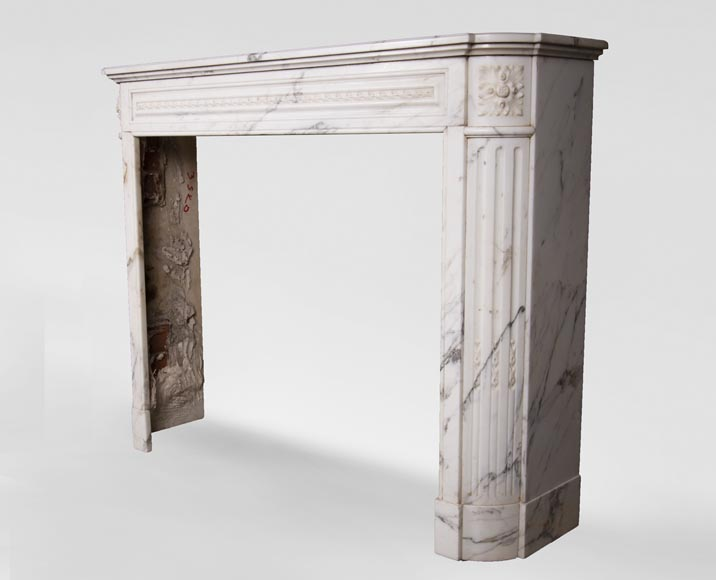 Antique Louis XVI style mantel with rounded corners, made out of Arabescato marble-6