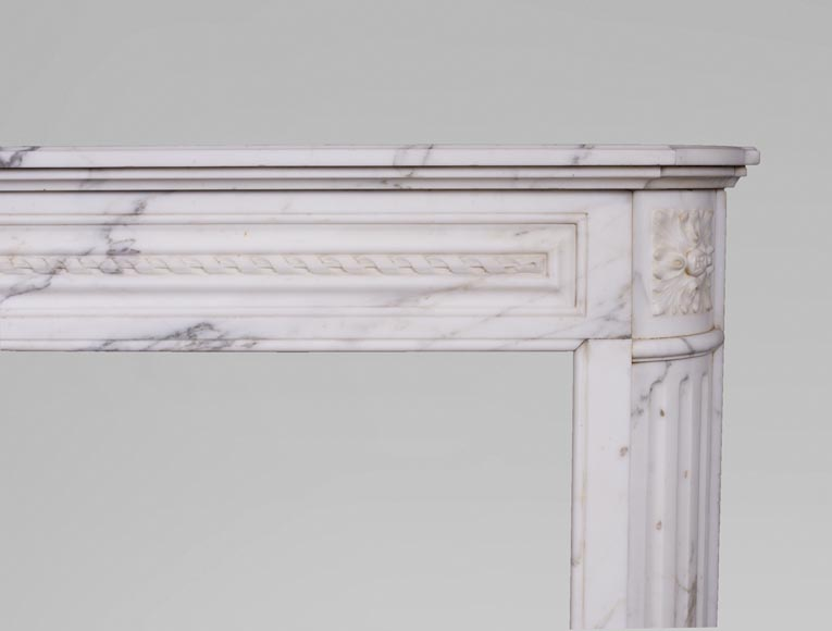 Antique Louis XVI style mantel with rounded corners, made out of Arabescato marble-7