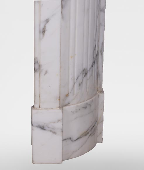 Antique Louis XVI style mantel with rounded corners, made out of Arabescato marble-8