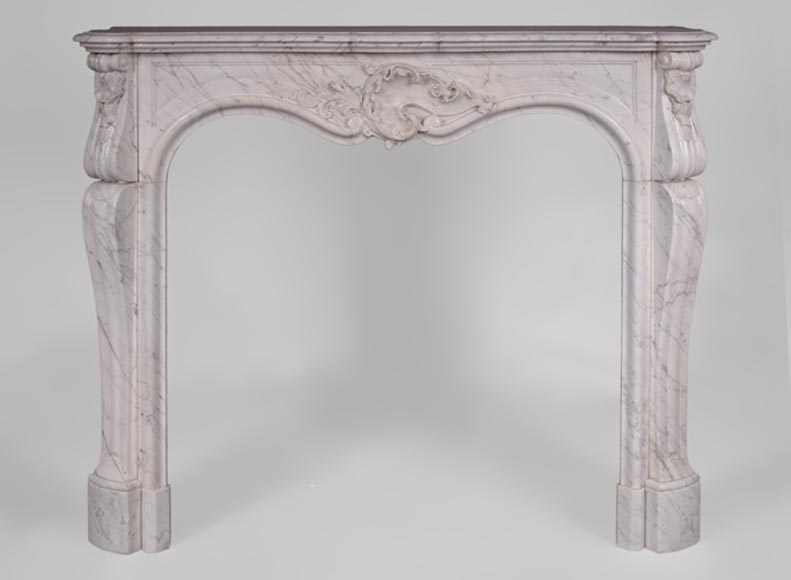Antique Louis XV style fireplace in Arabescato marble with large asymmetrical shell-0