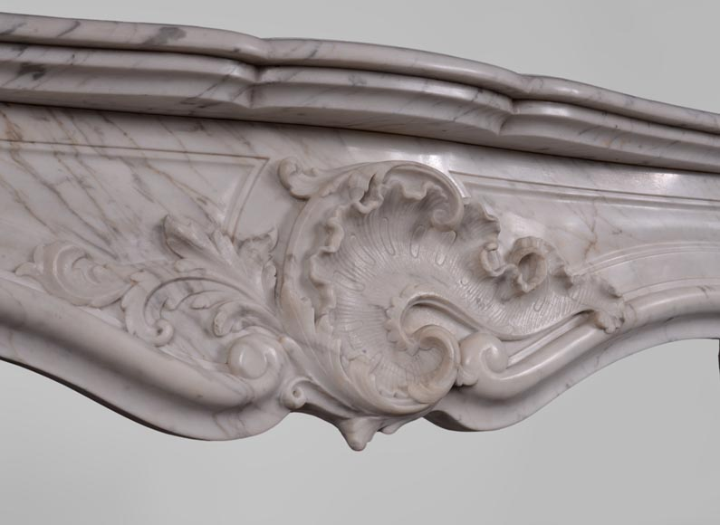 Antique Louis XV style fireplace in Arabescato marble with large asymmetrical shell-2