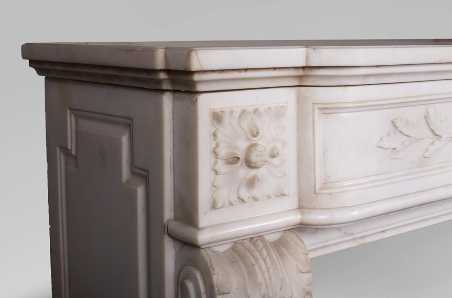 Antique Louis XVI style mantel in Carrara marble with quiver-4