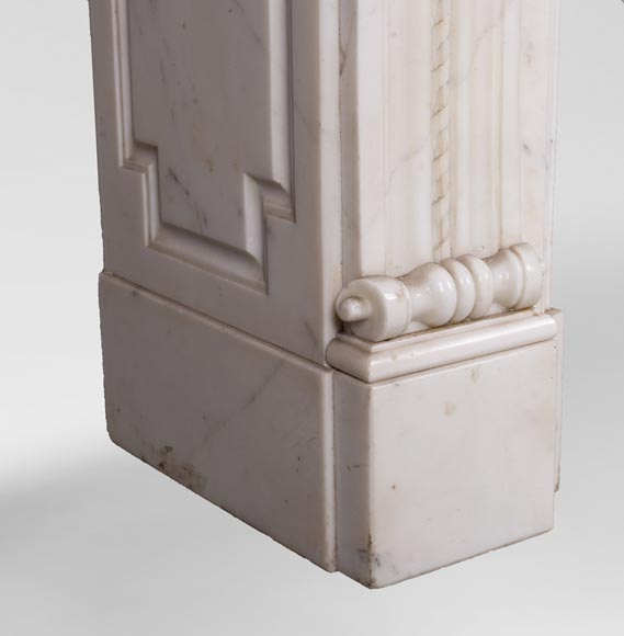 Antique Louis XVI style mantel in Carrara marble with quiver-6