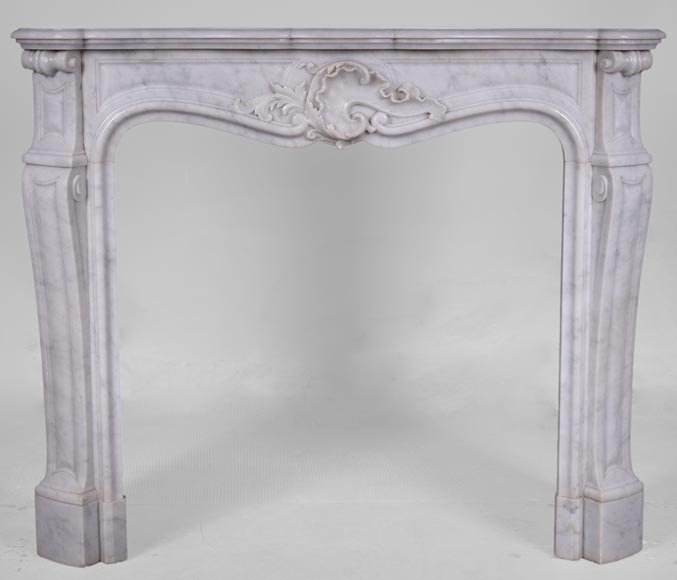 Antique Louis XV style fireplace in Arabescato marble with a beautiful asymmetrical shell-0
