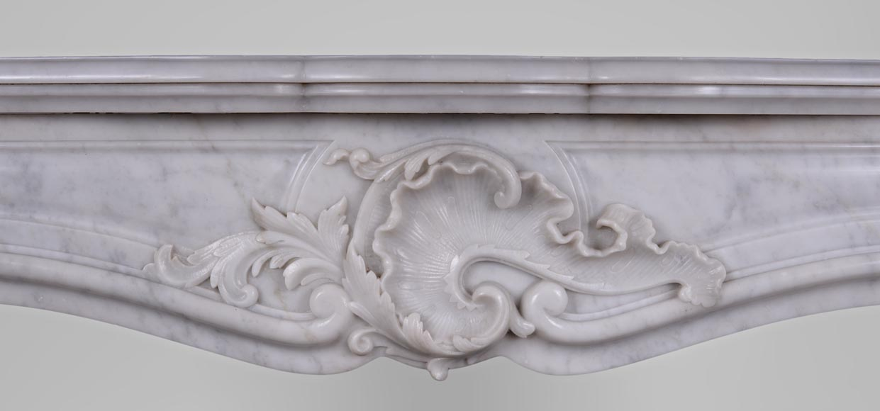 Antique Louis XV style fireplace in Arabescato marble with a beautiful asymmetrical shell-1