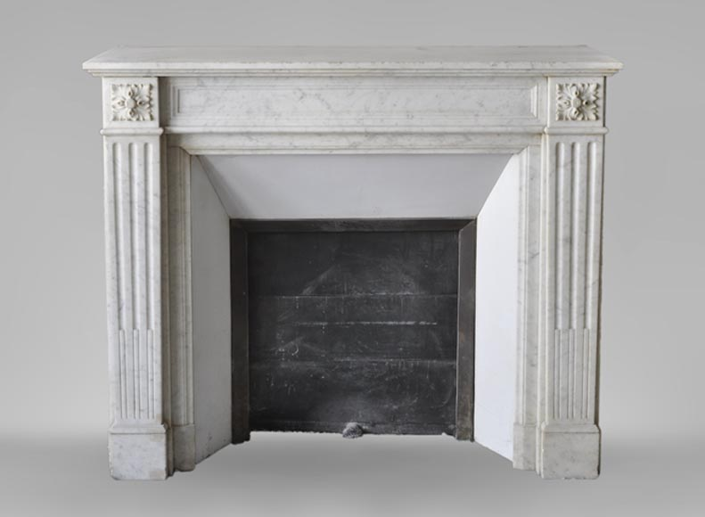 Antique Louis XVI style fireplace in white Carrara marble with flutings - Reference 3575