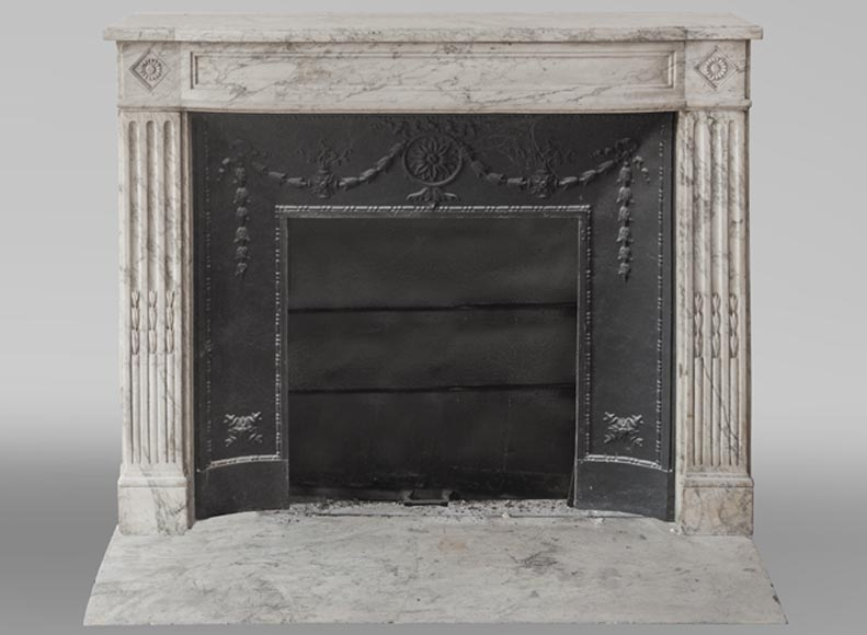 Beautiful antique fireplace from Louis XVI era in Arabescato marble decorated with rosettes and small pearls-0