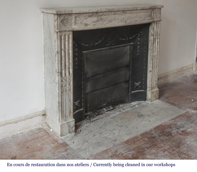 Beautiful antique fireplace from Louis XVI era in Arabescato marble decorated with rosettes and small pearls-2